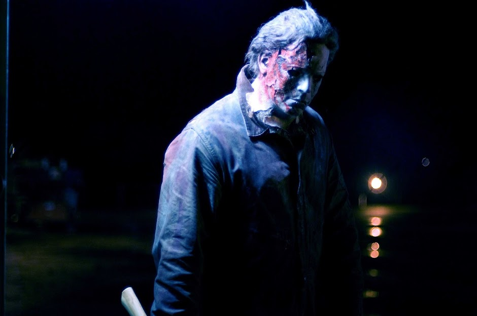 "Michael Myers ressurge no primeiro pôster de ""Halloween"""