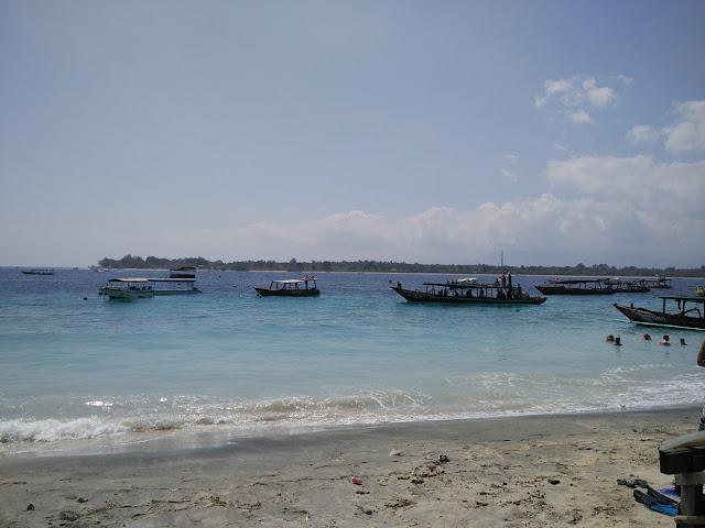 pantai di gili trawangan
