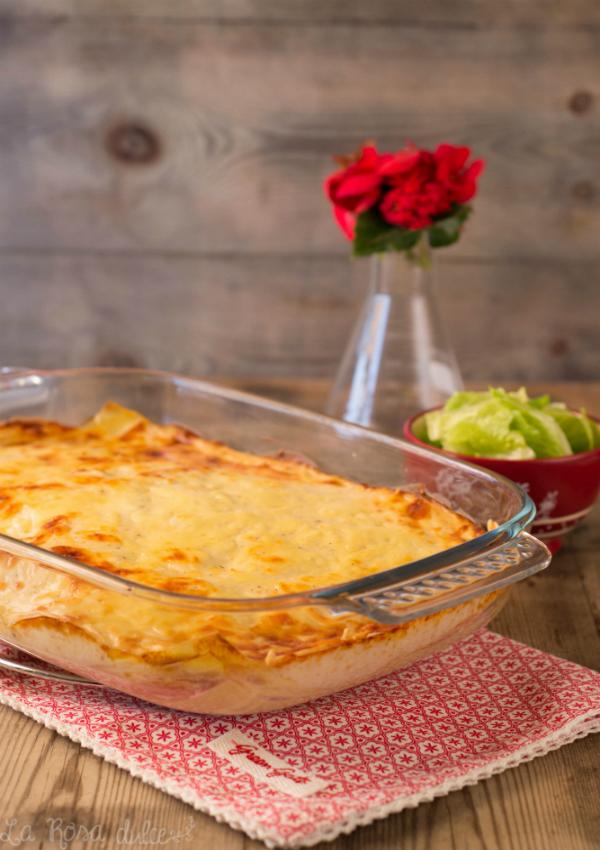 Lasaña de pavo, queso y setas variadas