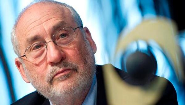 Gobierno panameño resta importancia a renuncia de Stiglitz a comité creado por papeles de Panamá