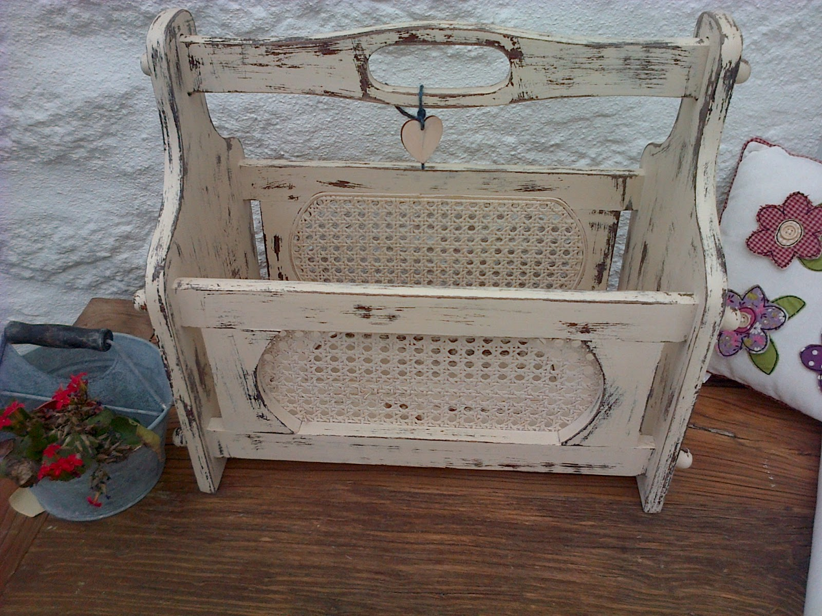 shabby chic magazine racks. Black Bedroom Furniture Sets. Home Design Ideas