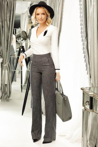 Pantaloni gri office evazati cu talie medie din stofa cu fir lame cu buzunare