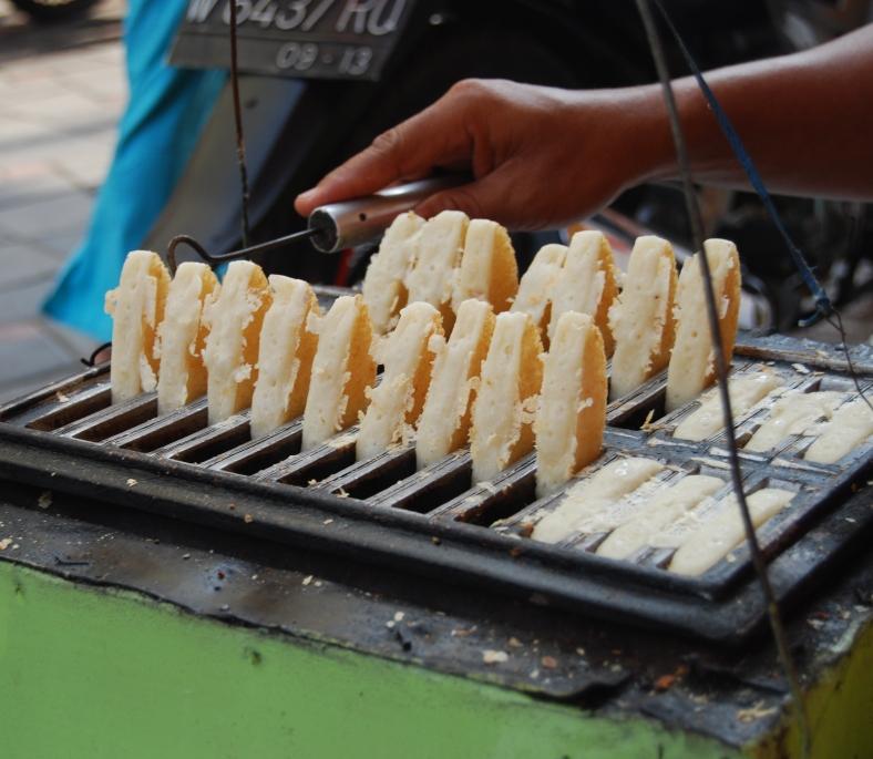 Cara Membuat Kue Pencong Khas Jakarta