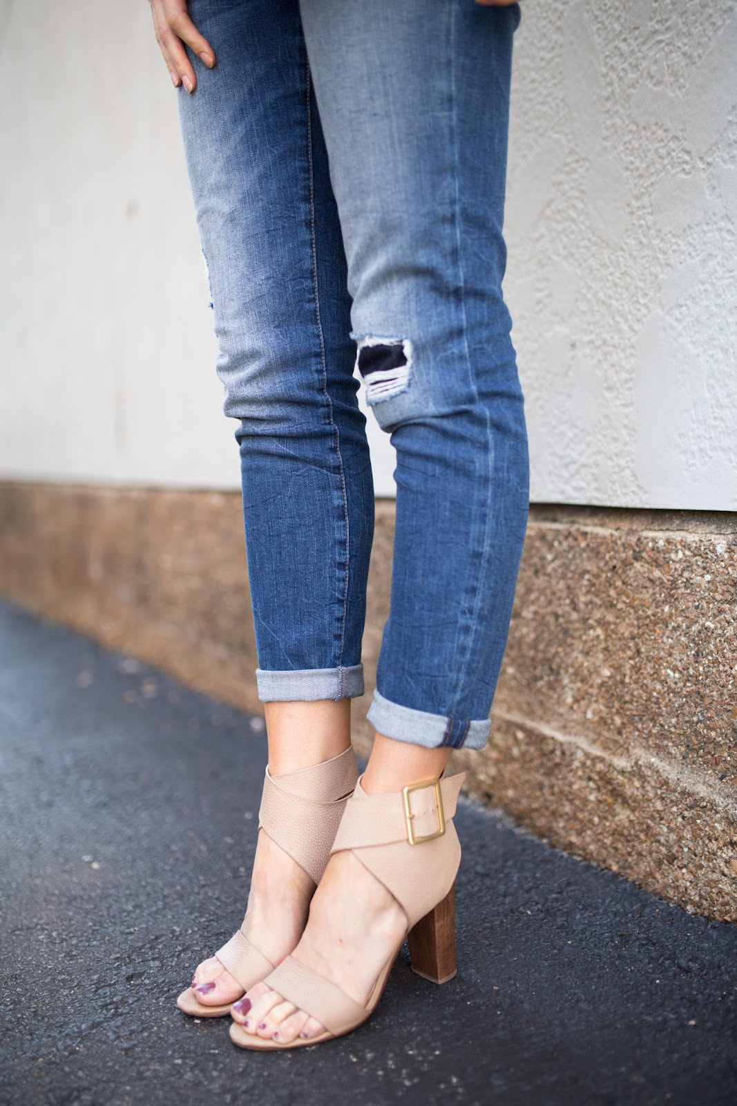 Distressed jeans + block heels