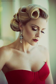 vintage updo hairstyle