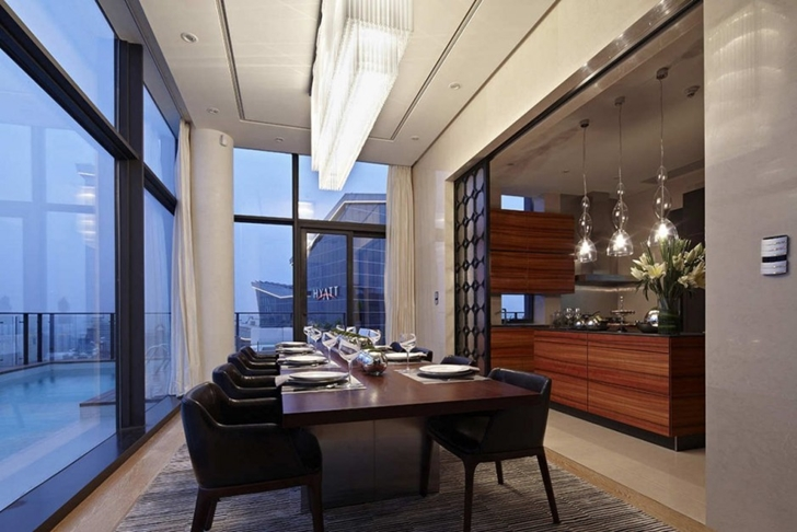 Dining room of Modern apartment in Shenzhen by Kokai Studio