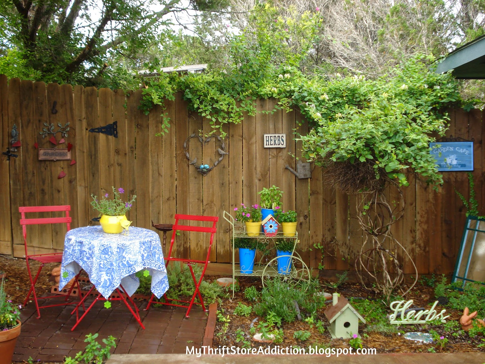 Welcome to Secret Garden: My Creative Space! mythriftstoreaddiction.blogspot.com Back door garden near the gate entrance to Secret Garden