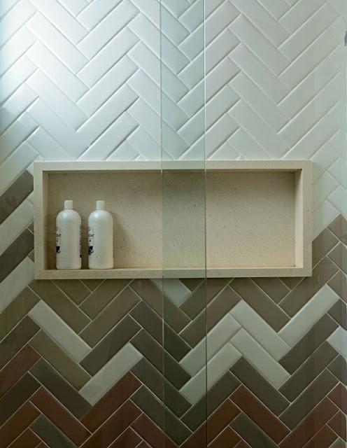 banheiro-atual-azulejo-paginação-espinha-de-peixe