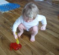 jakie zabawy dla 6 miesiecznego dziecka, zabawy sensoryczne