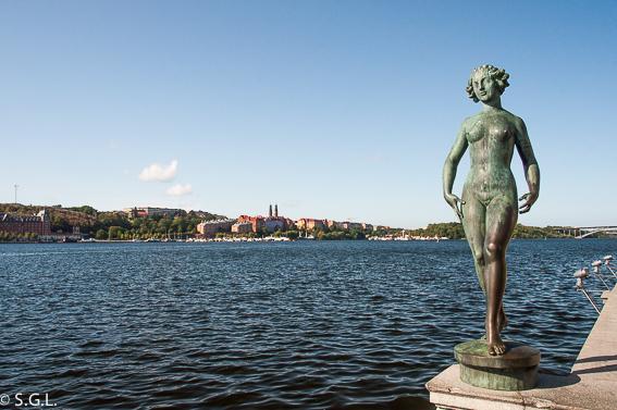 Lago Malaren. El ayuntamiento de Estocolmo y su cita con los nobel