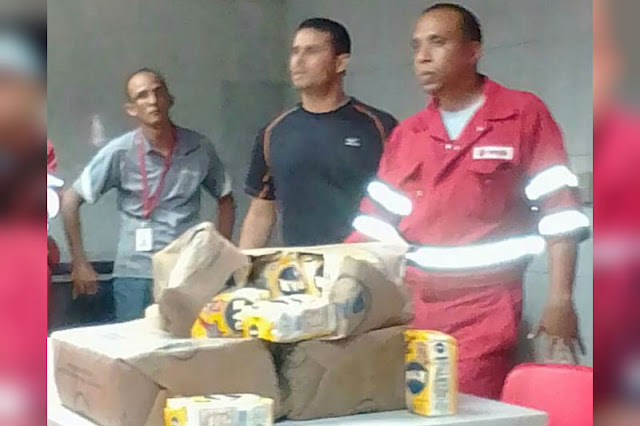 Trabajadores de PDVSA sobornados con Harina Pan para votar por Maduro