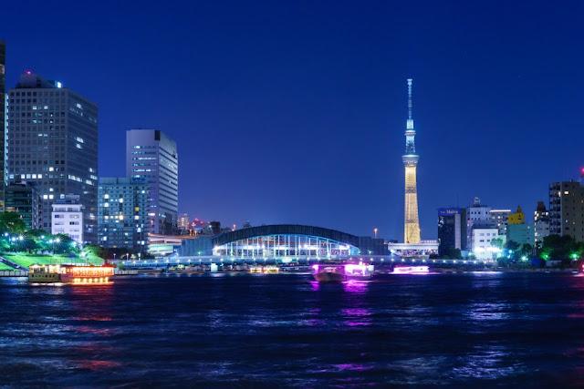 東京スカイツリー・特別ライティング「金メダル」