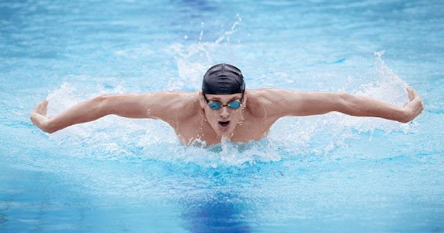 8 raisons (et plus) qui prouvent que nager fait beaucoup, beaucoup, beaucoup de bien: