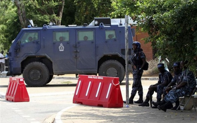 Anti-terror squad defuses bomb at Minister's home