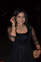 Sakshi Agarwal looks stunning in all black gown at 64th Jio Filmfare Awards South ~  Exclusive 037.JPG