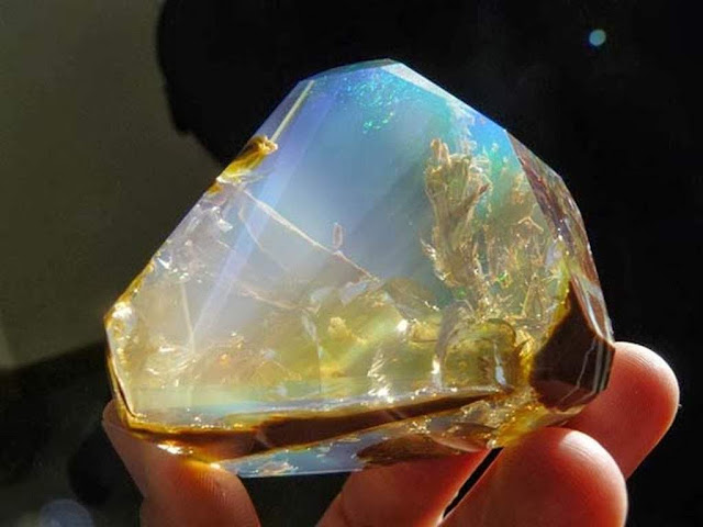 Find Opals in Oregon