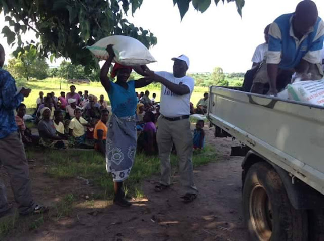 Pauline Long Delivers Food to 100 families in Malawi