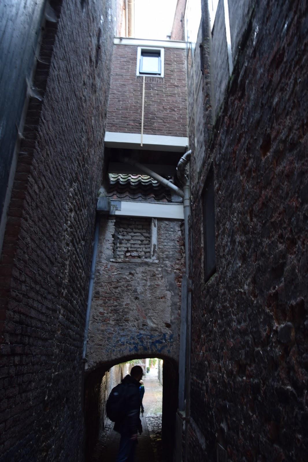 Middelburg wąskie uliczki