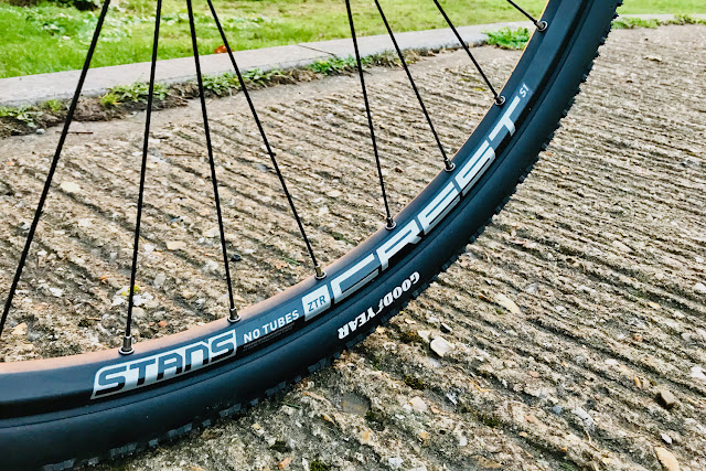 Review - Stans NoTubes ZTR Crest S1 29er (700c) Tubeless Wheel Set