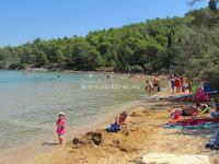 Plaža Lovrečina, Postira, otok Brač slike