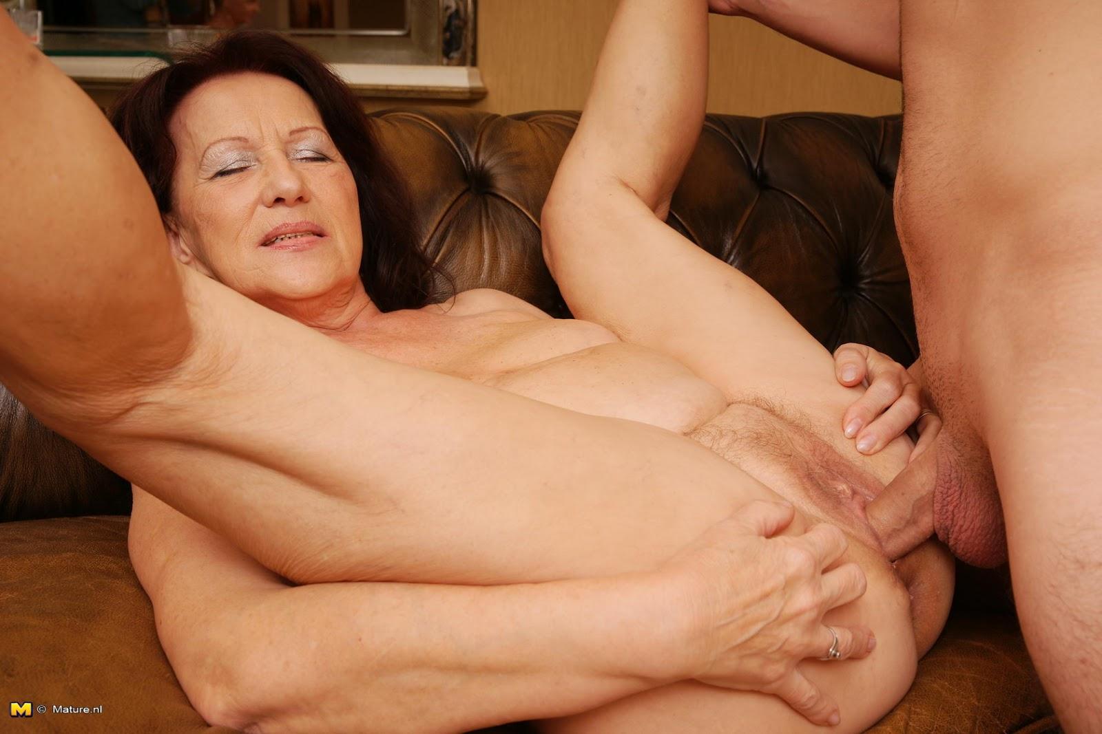 mature lady sex boy