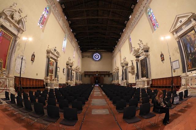 Interior da Chiesa San Francesco em Lucca