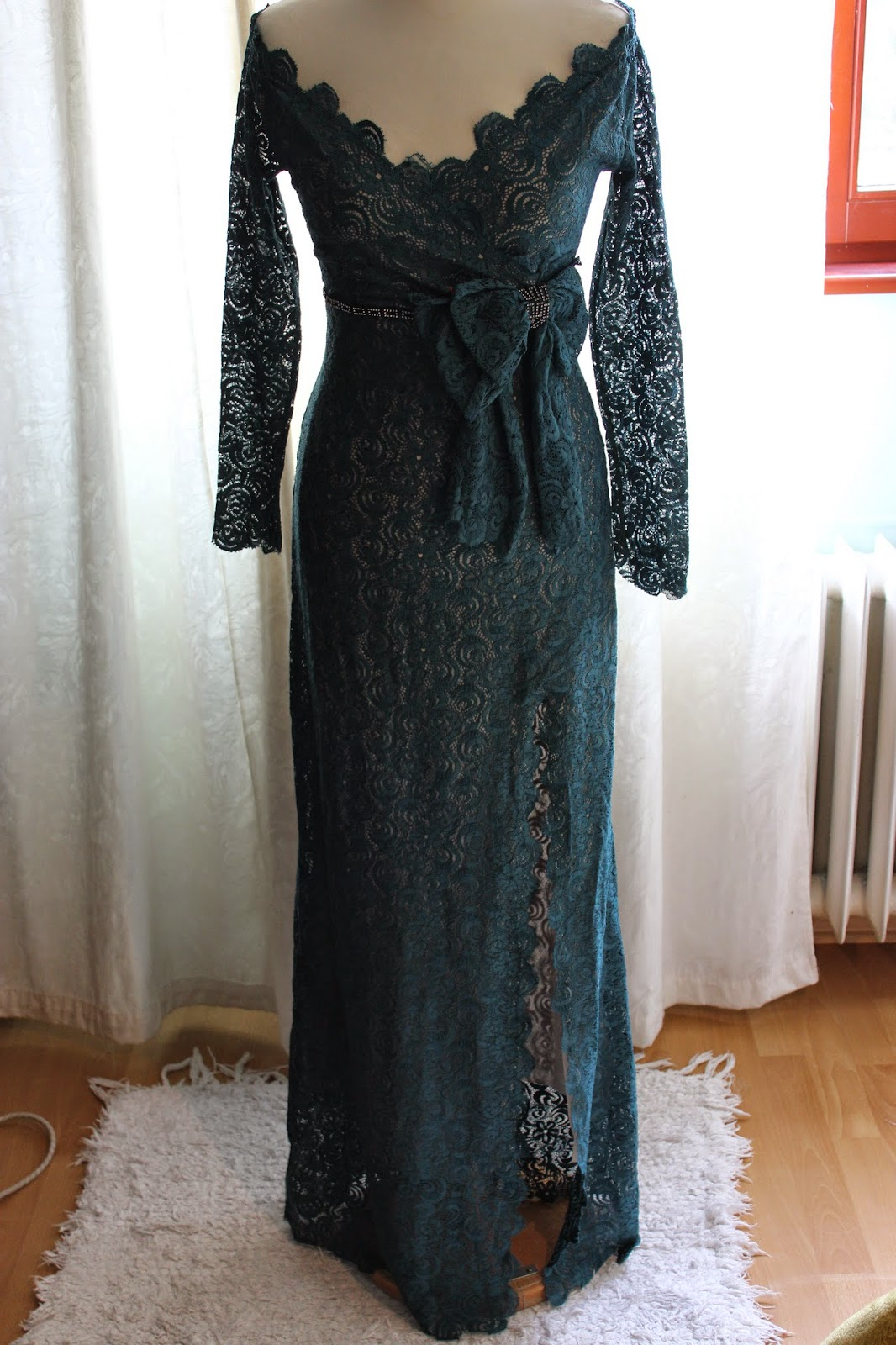 707dcd98f287 Aj keď tieto šaty vyzerajú jednoducho