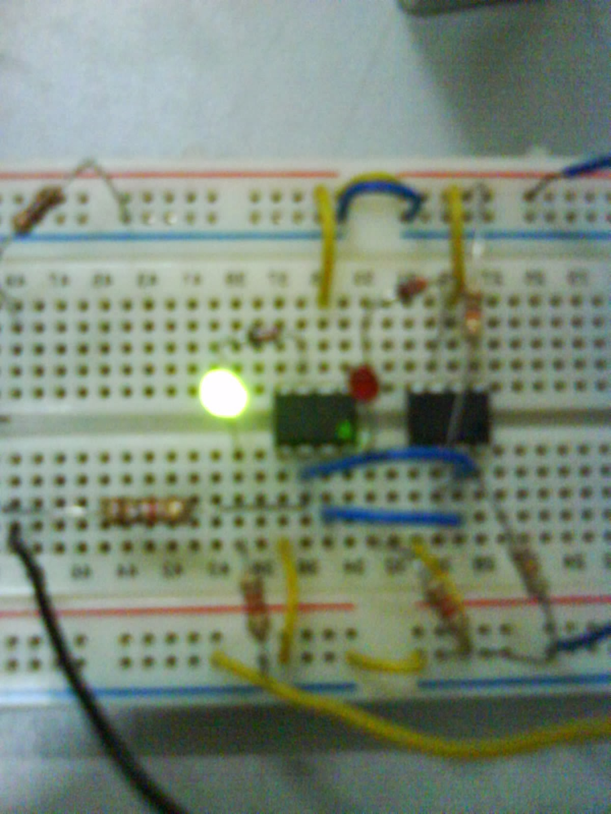 Self Powered Fast Battery Tester Circuit