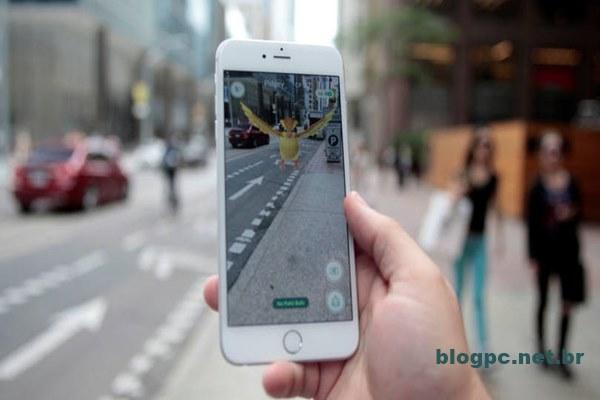 Pokemon Go: app consome muita bateria do celular porque usa GPS e câmera e requer que tela esteja sempre ativa