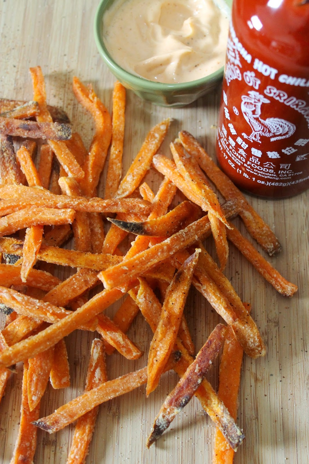 easiest baked sweet potato fries!