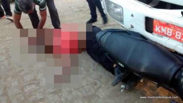 Homem morre em acidente entre moto e caminhão em Santa Cruz do Capibaribe