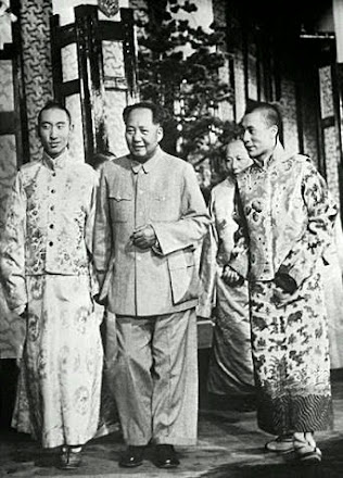 The Dalai Lama (left), Mao Zedong and the Panchen Lama