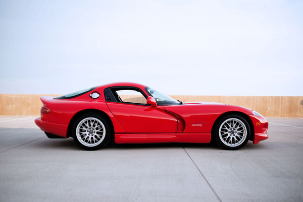 Immaculate 2000 Dodge Viper GTS
