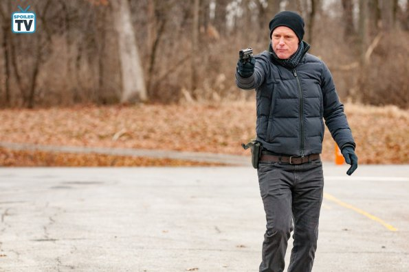 """NUP 185766 0040 595 Spoiler%2BTV%2BTransparent - Chicago PD (S06E14) """"Ties That Bind"""" Episode Preview"""