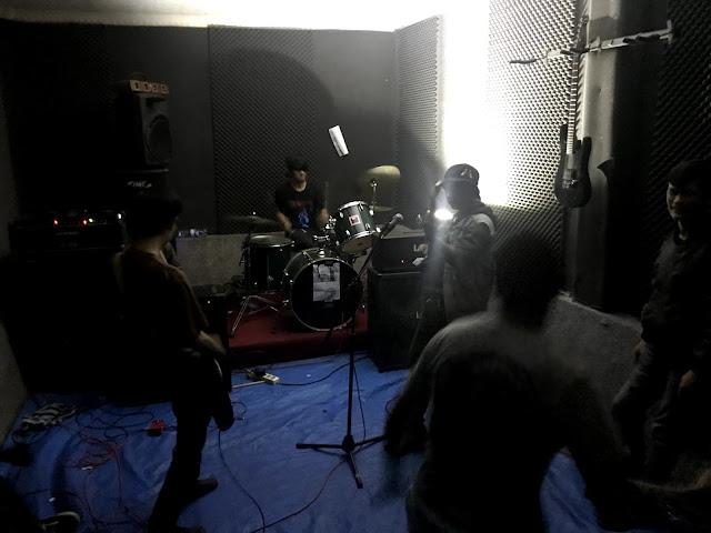 swine  live at Grind Erection #8 Chapter Cianjur