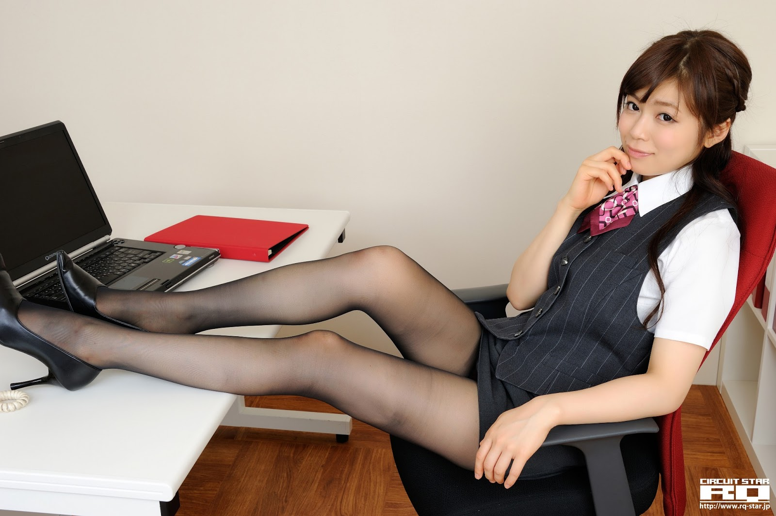Hot Japanese Secretary-7947