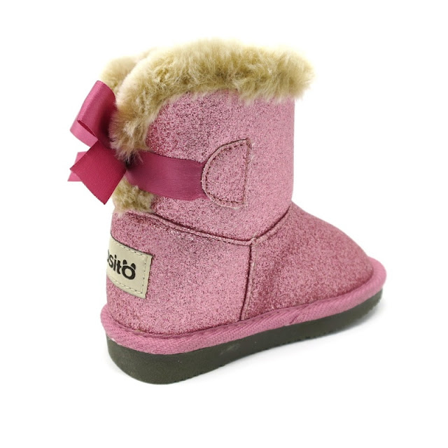 http://www.zapanines.es/botas-y-botines/4091-bota-ugg-rosa-lazo-osito-by-conguitos.html