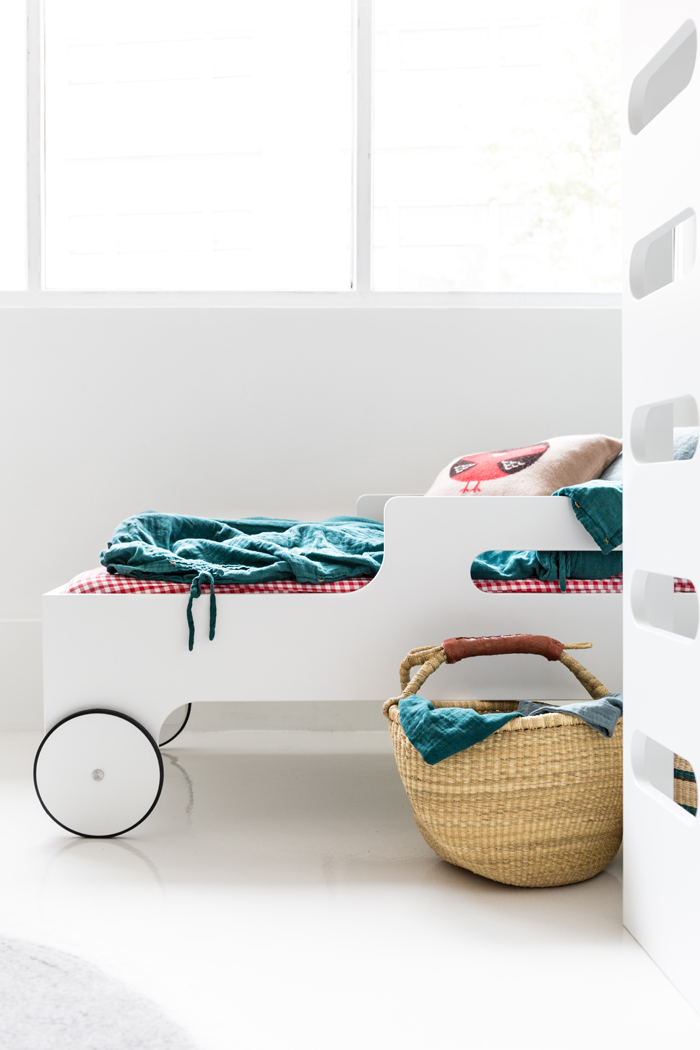 R toddler bed from Rafa-kids in White