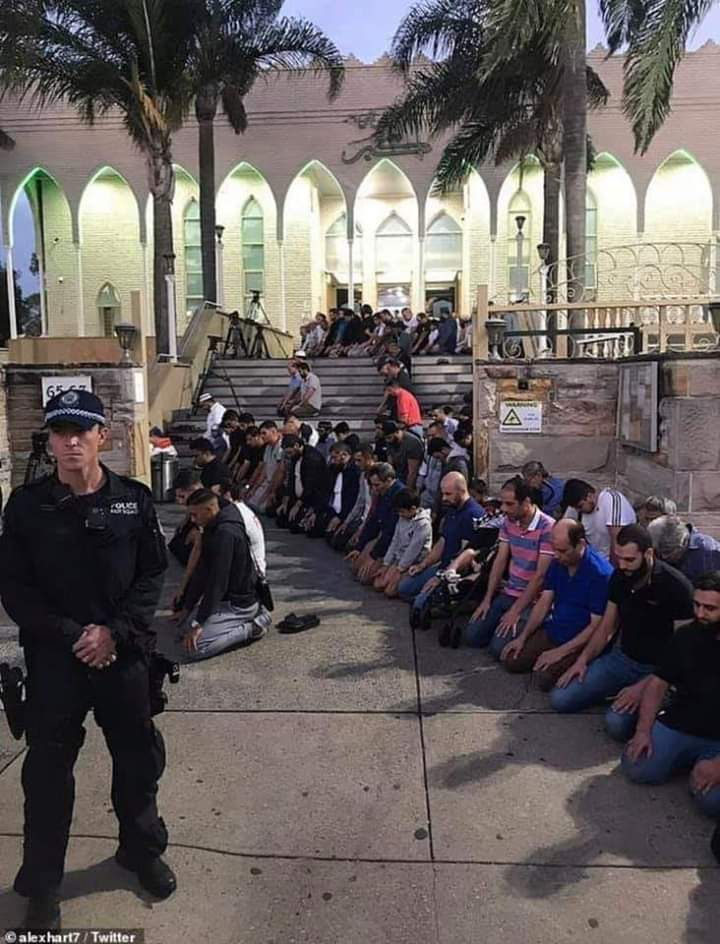 Bukan Sepi, Begini Suasana Menakjubkan Masjid di Eropa Setelah Teror Selandia Baru