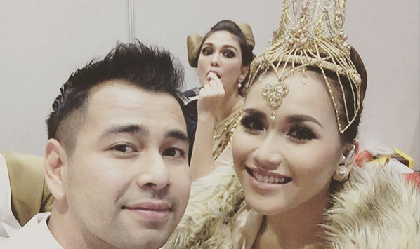 Video hot Ayu Ting Ting dan Raffi Ahmad beredar di media sosial