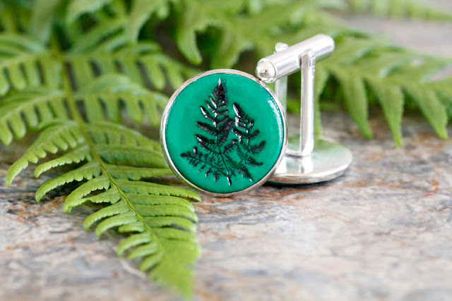 http://creativityunmasked.blogspot.co.nz/2016/03/diy-stamped-polymer-clay-fern-cufflinks.html
