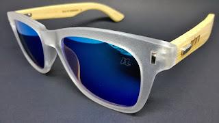 óculos inspirada na praia De Manguinhos - Es