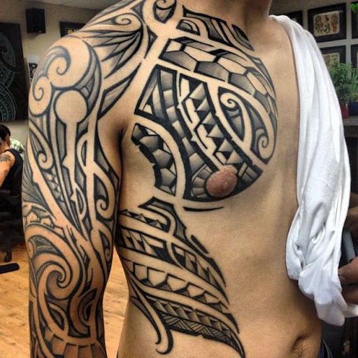 Outra bela ilhéus/maori híbrido de tatuagem