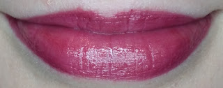 Avon True Colour Supreme Nourishing Lipstick in Sumptuous Berry