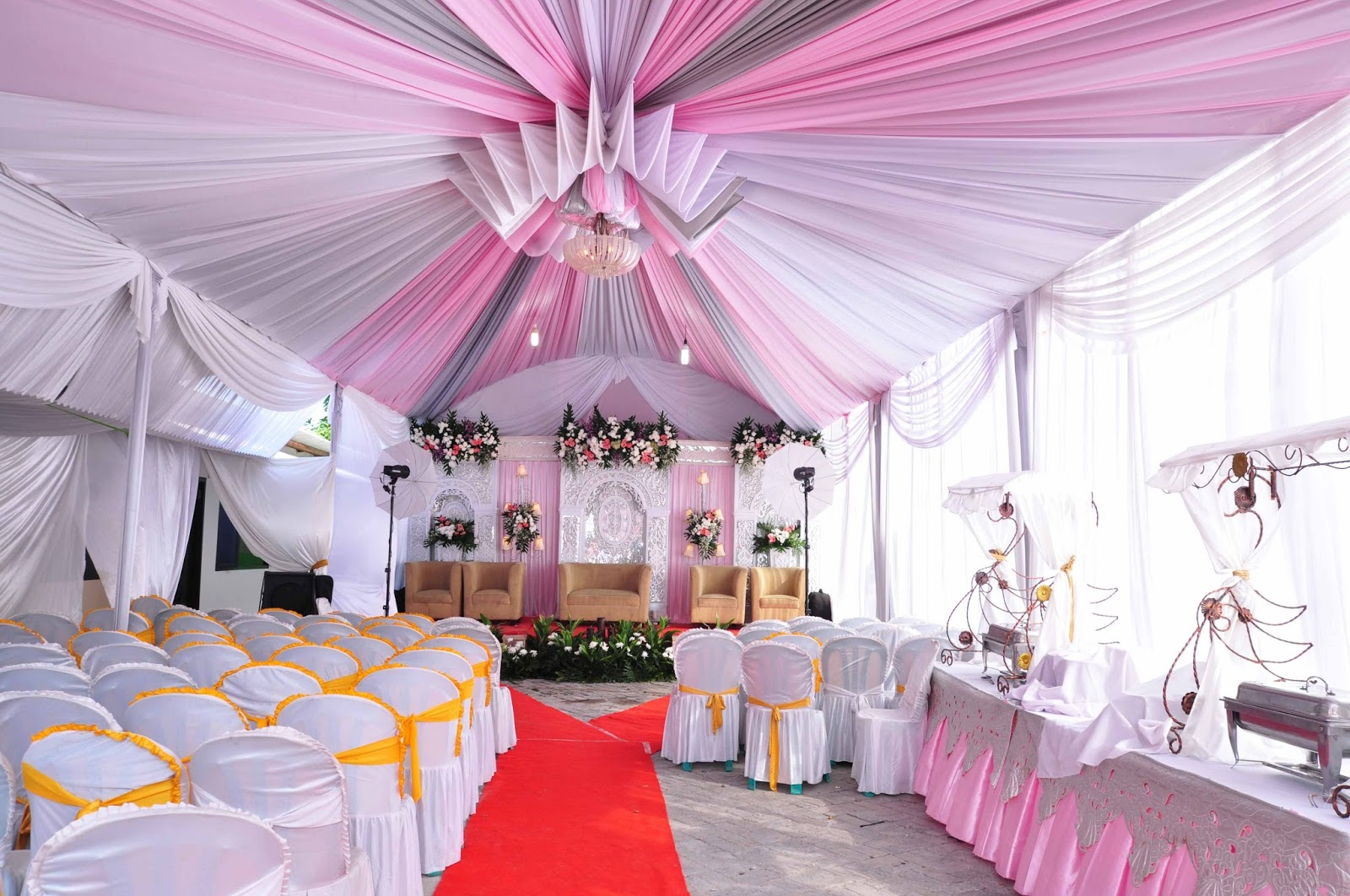 Tenda pernikahan Pink VIP