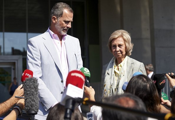 King Felipe went to Quiron University Hospital with his mother, Queen Sofia