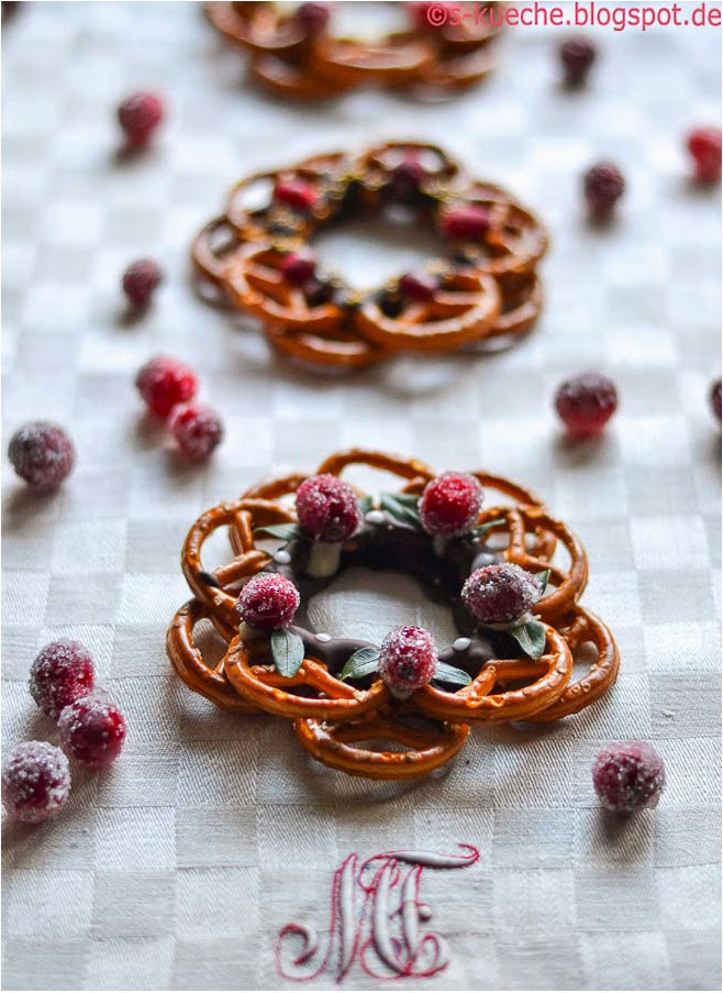 Pretzel Wreath