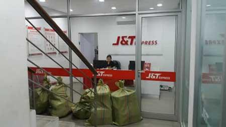 Cara Ambil Paket Kiriman di Kantor J&T Express Denpasar