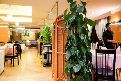Plain and simple decor at Szechwan Restaurant Akasaka, Tokyo.