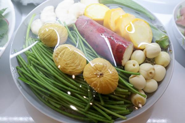 台中南區山上の蔬食野菜選物火鍋 天然有機蔬菜自由搭,興大旁